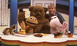 Geoffrey Hayes on the set of Rainbow with, from left, Zippy, Bungle and George