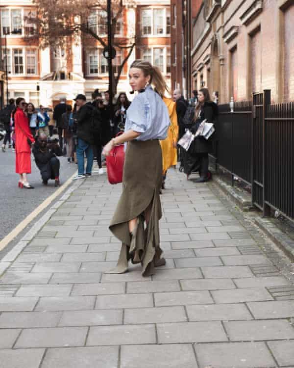 Jess outside a show at London fashion week 2017.