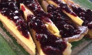 Custard tart with cherries.