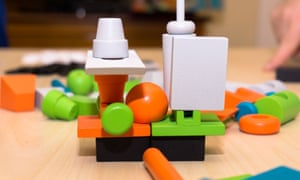 Junk Art takes a simple stacking game and adds variety, challenge and artistic flair.