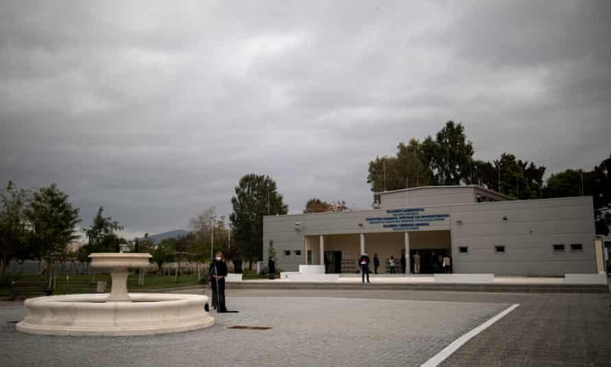 Άδεια να ανοίξει ξανά το πρώτο επίσημο τζαμί της Αθήνας για τα Χριστούγεννα |  Ελλάδα
