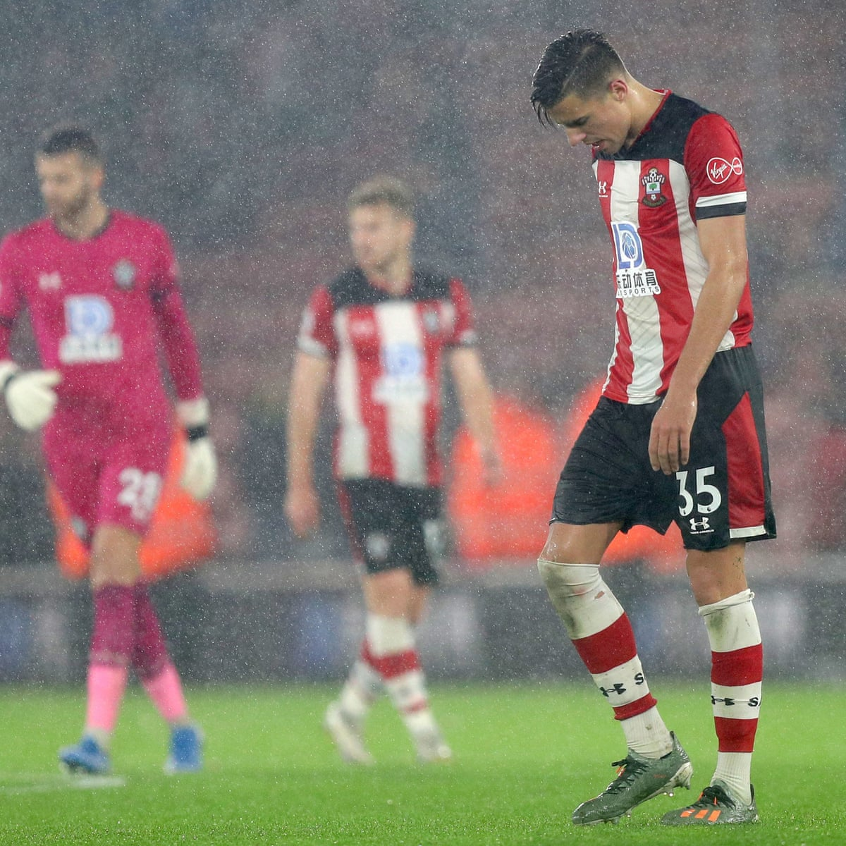 Southampton Players Donate Wages To Charity After 9 0 Mauling By Leicester Southampton The Guardian