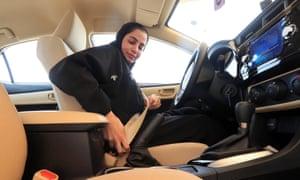 Saudi woman at the wheel of a car
