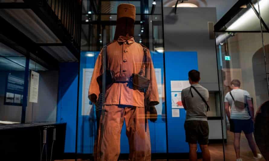 The uniform of an Askari soldier in German East Africa at the German Historical Museum, Berlin.