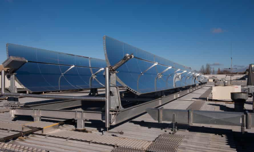 Operating at Stockland Wendouree Shopping Centre in Ballarat, Victoria, the system uses concentrating solar thermal technology to produce heat energy used to power the air conditioning system.