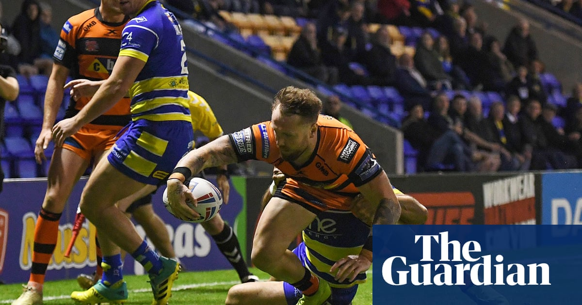 Mata'utia makes the difference as Castleford upset Warrington in play-off