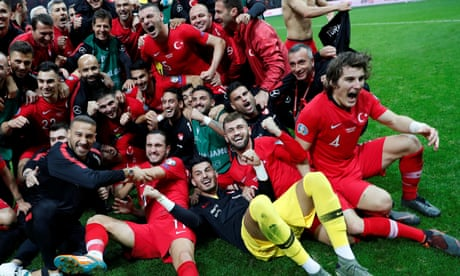 Turkey qualify for Euro 2020 finals after holding Iceland to goalless draw