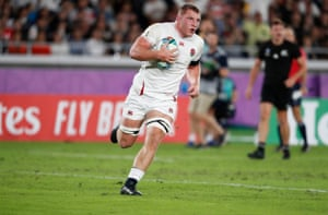 England's Sam Underhill scores a try that is later disallowed.