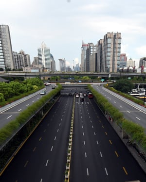 West Lake Road in Hangzhou. Hangzhou has been massively upgrading the city's infrastructure with such improvements as repaving roads, expanding its subway system and dredging waterway for the G20 summit.