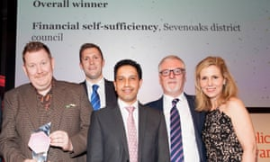 Sevenoaks district council, overall winner of the Guardian Public Service Awards 2016, presented by actor Sally Phillips (r) to council leader Peter Fleming (l) and team.