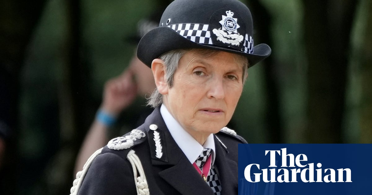 Cressida Dick offered two-year extension as Met police chief