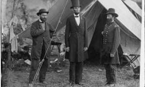 Abraham Lincoln with Allan Pinkerton and John McClernand in Antietam, Maryland, in October 1862.