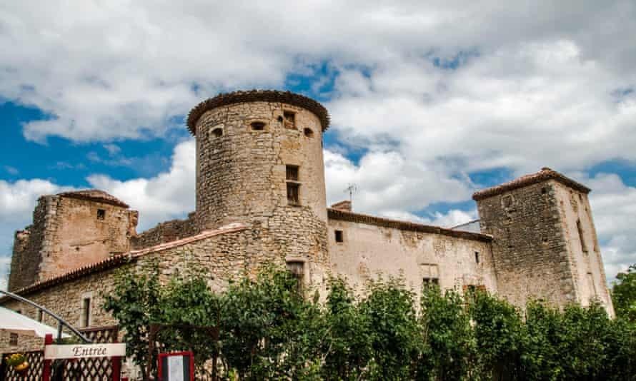 A suspiciously grand farmhouse in Rennes-le-Chateau …