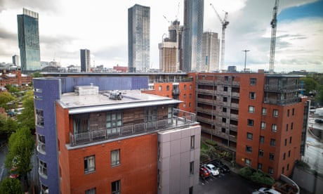Manchester tower block residents to sue in fire safety row