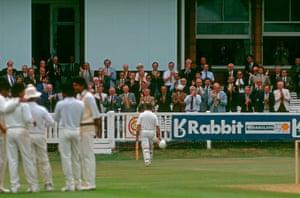 Applause rings out around Lord's at Gooch heads back to the pavilion.
