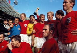 Banks (centre in yellow) celebrates with his England teammates after they beat West Germany 4-2 after extra time in the 1966 World Cup final.