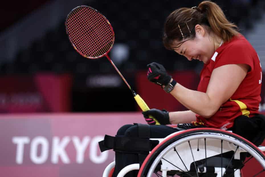 Sarina Satomi of Team Japan celebrates her victory.