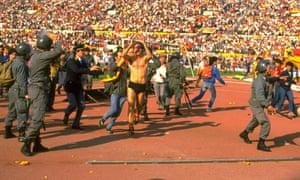 Francesco Grazziani celebrates Roma's win.