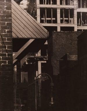 Morton Schamberg, Cityscape, 1916