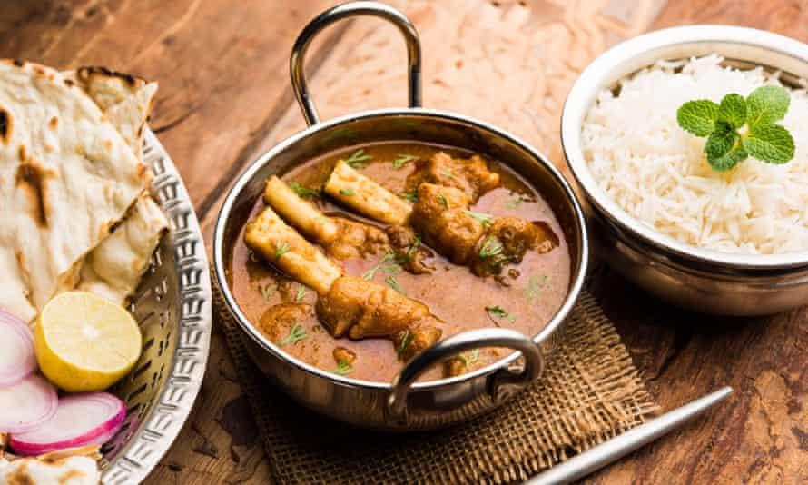 Hyderabadi mutton paya, nehari, nazari or nihari masala, served with naan and rice.