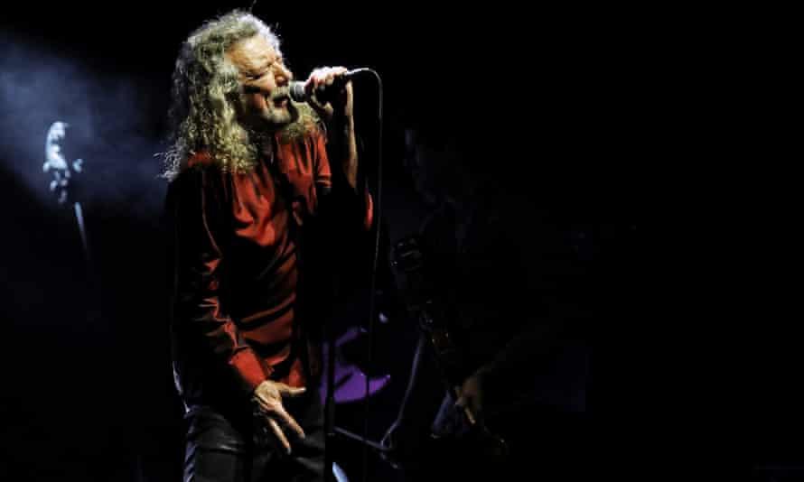 Robert Plant plays the Sydney Opera House