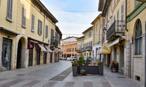Coronavirus: northern Italian towns close schools and businesses | Wor...