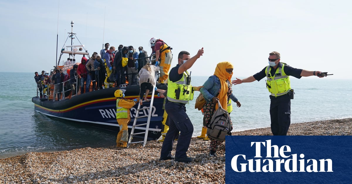 'Record numbers' of migrants picked up crossing Channel