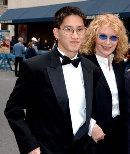 Moses with Mia at the Wedding of Liza Minnelli and David Gest in 2002.