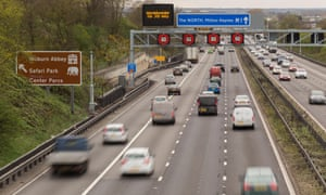 An AA poll showed only 9% of drivers felt safe using smart motorways.
