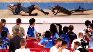 A cyclist from Team New Zealand crashes during the men's team pursuit bronze final.