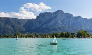 Mondsee lake with the Drachenwand mountain in the background
