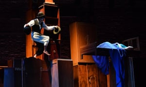 Tynan and circus artist Tiago Fonseca in Les Illuminations at the Aldeburgh festival.