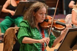 Miranda Fulleylove, violin