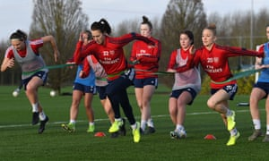 WSL leaders and reigning champions Arsenal entertain the only side to have beaten them this season, Chelsea, on Sunday.