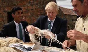 Boris Johnson looking at fleece