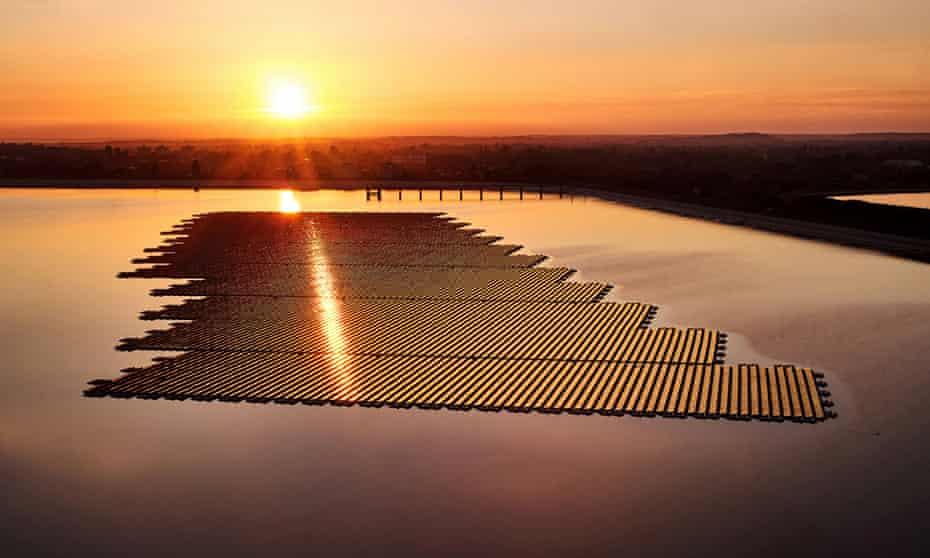 Lightsource BP's floating installation at the Queen Elizabeth II reservoir