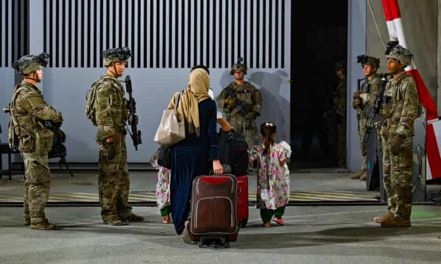 US troops oversee the evacuation of Afghan citizens at Kabul international airport