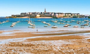 Low tide in the channel between Saint-Malo and Dinard.