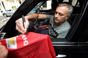 On 27 May 2016 Manchester United announce that José Mourinho will replace Louis van Gaal as their manager