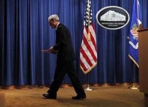 Special counsel Robert Mueller leaves the podium after speaking at the Department of Justice.