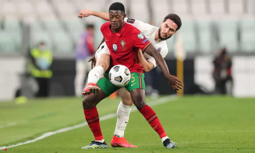Nuno Mendes playing for Portugal against Azerbaijan.
