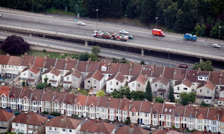 'There's consistent evidence that road traffic noise leads to heart attacks': housing in Bristol next to a busy motorway.