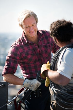 Paul Hogan (played by Josh Lawson) as a rigger on Sydney Harbour Bridge