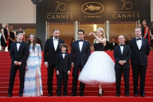 (L-R) Irish actor Barry Keoghan, British actress Raffey Cassidy, Greek director Yorgos Lanthimos, US actor Sunny Suljic, Irish actor Colin Farrell, Australian actress Nicole Kidman, producer Ed Guiney and actor Andrew Lowe arrive for the premiere of 'The Killing of a Sacred Deer'