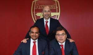 Ivan Gazidis with his successors, the head of football Raúl Sanllehí  (right) and managing director Vinai Venkatesham.