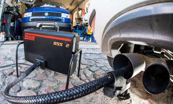 Dieselgate leaves UK's car industry in crisis | Business
