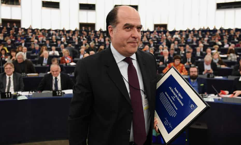 The Venezuelan opposition leader Julio Borges receives the Sakharov human rights prize in Strasbourg, France, on Wednesday.