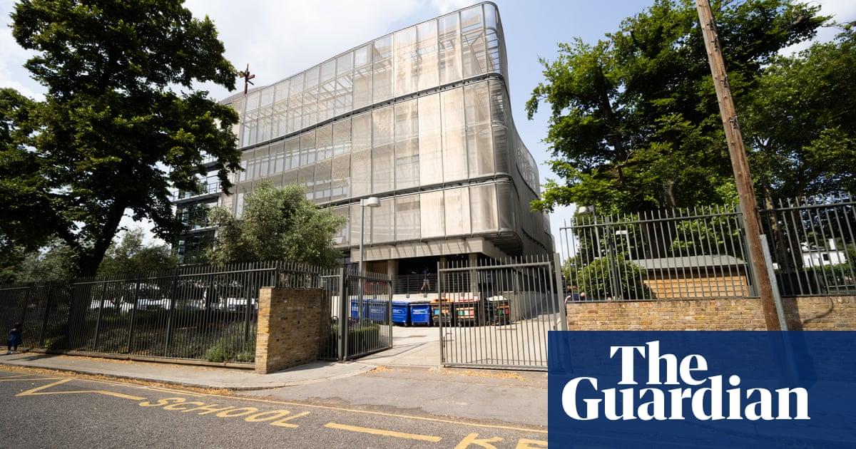 Headteacher to leave top London school facing safeguarding allegations