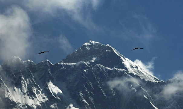 Walking over bodies': mountaineers describe carnage on Everest