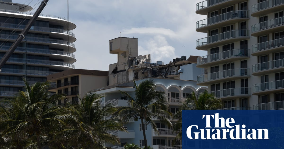 Miami calls for inspections of older buildings over six stories after collapse